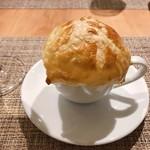 94612474 - 鮑と松茸のパイ包みスープ