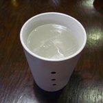 9462277 - 私は、焼酎の水割りを頂きました。「黒霧島」、「白波」、と追加料金で泡盛「残波」です。