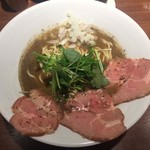 麺屋 ねむ瑠 - 濃厚烏賊煮干中華そば 醬油味 780円