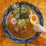 94626537 - こってり醤油味(魚介系白湯スープ 特製らーめん930円