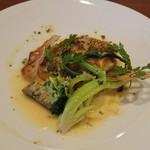 ビストロ・エピ - 料理写真:鯛のポワレ