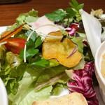 94632167 - 新鮮なお野菜がたっぷり!自家製ドレッシングも美味しい♡