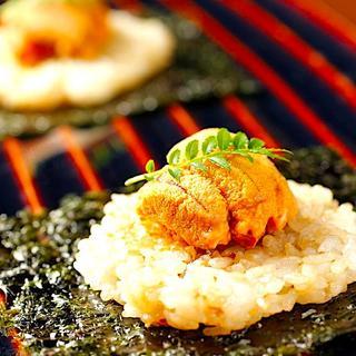 圧倒的一番人気!北海道産生うにと鉄板焼飯の一口手巻き