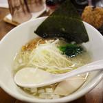 Hakatatorishioraamemmiyabiya - 鶏塩らぁめん620円。