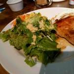 アメリカン ビストロ・ニア - サラダ