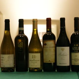 リーズナブルにワインをご用意。