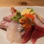 94646762 - 海鮮丼(極み)。