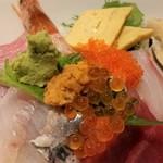 94646795 - 海鮮丼、アップ。