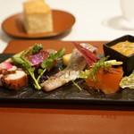 カーサ・デル・チーボ - 前菜(佐島の真蛸、鯖の瞬間燻製、サーモンのマリネ、スルメイカの塩辛)
