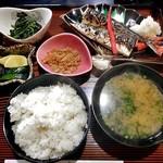 釜めし魚政 - 料理写真:焼き魚定食ランチ(サンマ・ご飯大盛り)