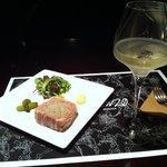ダイニング&ギャラリー CLUH - 飲みかけワインと、豚レバーテリーヌ