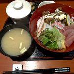 居酒屋永吉 - マグロ丼600円