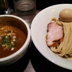 94652044 - 半熟味玉伊勢エビつけ麺