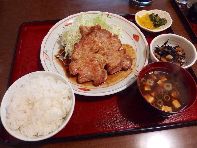 キッチンすみっこ>
