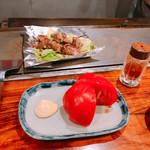 大阪お好み焼 英 - 冷やしトマトの写真が…これしかないの(T ^ T)