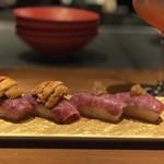 sousakuteppankonamonotoukyou - 必殺コース⑧ 和牛炙り寿司(雲丹トッピング)