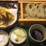 越後へぎそば処 粋や - 秋の天へぎ(1390円)10月限定。9月中旬からの新そばに、きのこや銀杏など旬の味覚をふんだんに取り入れた天ぷら。秋の贅沢。