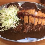 ゴールドカレー - キャーーー!!!GカツカレーLLぅーーー!!! 白飯500gにカツ!!!ハンバーグカレーにしたかったが、ココは『郷に入っては郷に従う』  ¥940は強気な値段設定・・・
