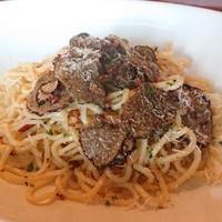 レヴァーロ - 料理写真:黒トリュフのオイル系パスタ