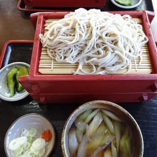北の蕎麦屋 - 料理写真:鴨せいろ977円+大盛206円