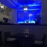 Azure Restaurant - 店内