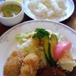 グルメ - 本日のランチカニクリームコロッケ&ハンバーグ750円(外税)税込810円