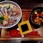 さわ - 秋刀魚丼と味噌汁