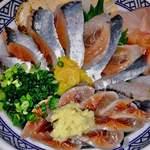 さわ - 丼一面に秋刀魚の花びら