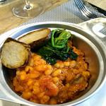 94684178 - 豚バラ肉とソーセージ、白いんげん豆のトマト煮