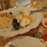 昴 - チーズ盛り