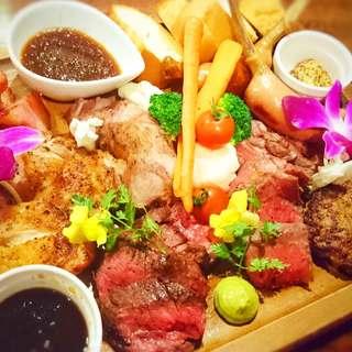 名物!厳選した肉7種類が詰まった贅沢な肉盛りプレート