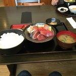 渥美の丼屋 まるみ - 刺身定食1281円です。