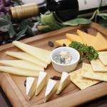 丸の内ディンドン - チーズプレート(Lサイズ)