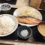 柳ばし - 生鮭塩ふり焼き定食(ご飯大盛り)