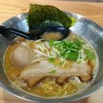 らぁめん初代オカワリ - 料理写真:鶏白湯 700円 味玉 100円