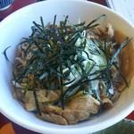 つくば製麺31 - 料理写真:肉そば(930円)