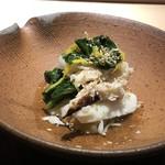 菊鮨 - 渡り蟹とお野菜のお浸し・・渡り蟹の甘みと優しい出汁やお野菜の味わいが良い品。
