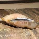 菊鮨 - ◆細魚(もみじおろしと)・・細魚は食感もいいですし、もみじおろしのピリ辛感がいいアクセントに