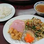 楽園 - 料理写真:サービスランチ700円→630円