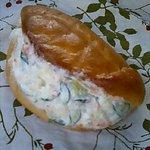 パン・洋菓子 キムラヤ - ポテトサラダ 179円 中に挟まれたポテトサラダの量がすごい(笑)