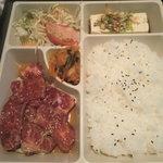 焼肉 サラン - カルビランチ:950円