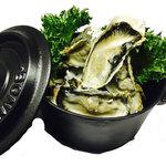 三陸産殻付牡蠣のココット蒸し