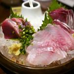飯綱 - おススメ3点盛り合わせ 気仙沼産特上かつお、北海道産本メバル、北海道産天然ぶり ¥1,500
