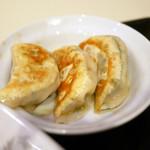 ラッキー飯店 - 餃子3個 ¥350