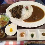 古民家ダイニング 道満 - 道満カレーセット ハーフ&ハーフ ご飯大盛り ¥1,100
