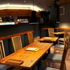 餃子屋本舗 - 内観写真:スロージャズが流れる落ち着いた空間です。<禁煙>
