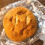 94717246 - 全粒粉カレーパン(250円+税)