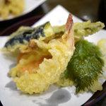 かぎもとや - もみじセットの天ぷら(エビ、茄子、大葉、えのき、いんげん、にんじん)