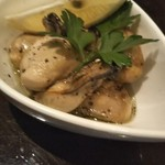 トレ ビッキエーリ - 牡蠣のオイル漬け