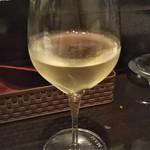 トレ ビッキエーリ - グラスワイン  白